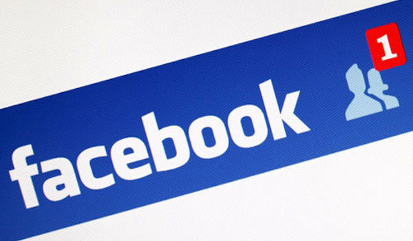 Le richieste Facebook da falsi profili